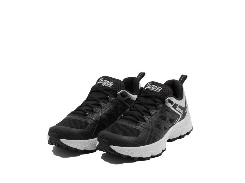 HERNO-LAMINAR-ASSOLUTO—Pitti-Immagine-Uomo-97—AW-2020-2021—black—1