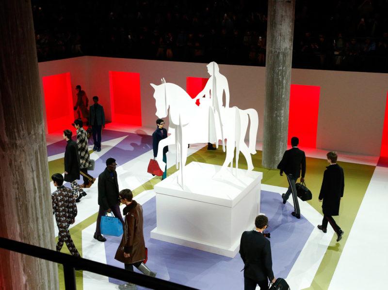 Prada Uomo: tecno-classicismo per l'autunno-inverno 2020