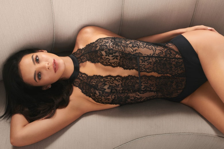 La protagonista della capsule San Valentino Intimissimi? L'attrice Bruna Marquezine!
