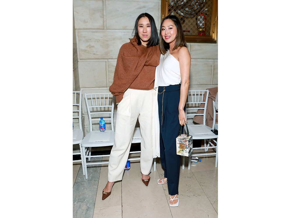 Eva-Chen-and-Amy-Song-attend-Oscar-De-La-Renta