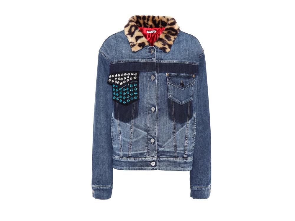 MIU-MIU-su-mytheresa-giacca-di-jeans-con-strass-e-pelliccia-sintetica