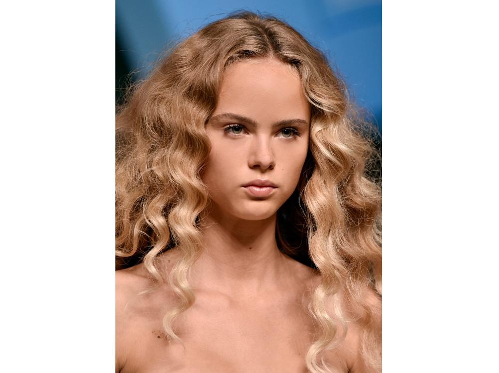 capelli-ricci-2020-dalle-passerella-08