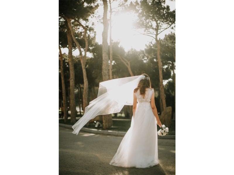 acconciature-sposa-2020-con-velo-01