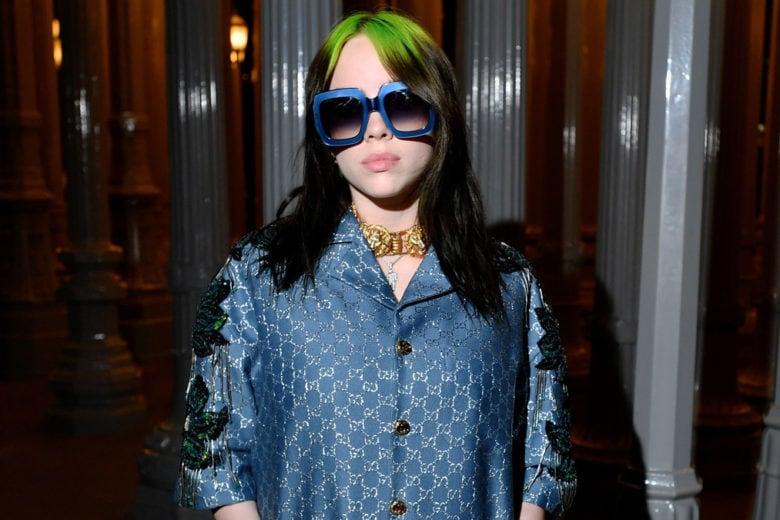 Billie Eilish capelli verdi, naturali, grigi e blu: tutti i colori della star