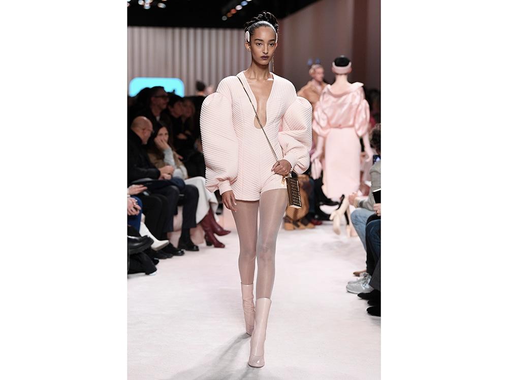 fendi-look-rosa-ai-2020
