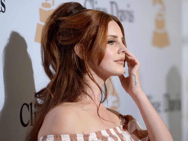 lana-del-rey-beauty-look-capelli-cover-mobile