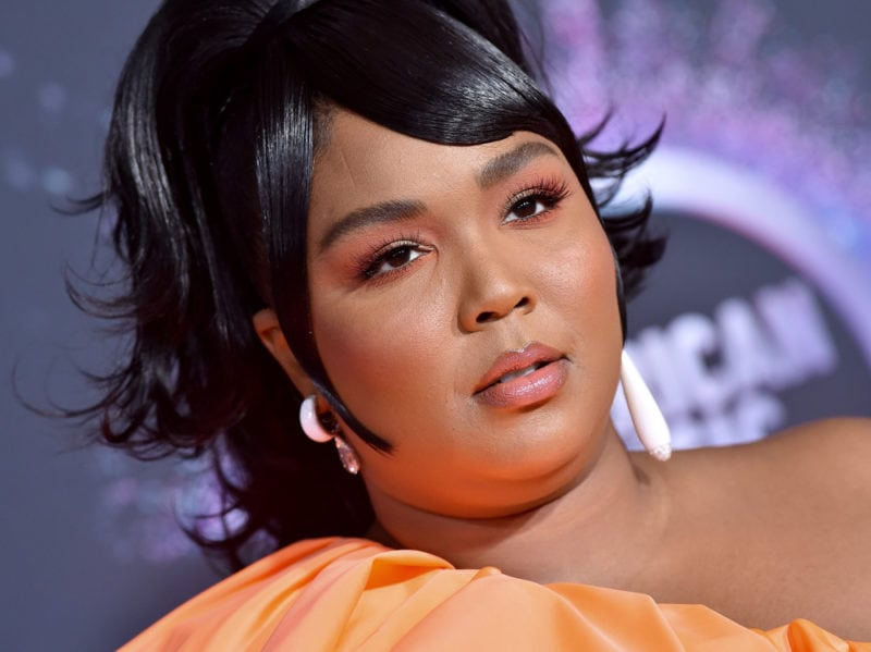 lizzo-beauty-look-make-up–07