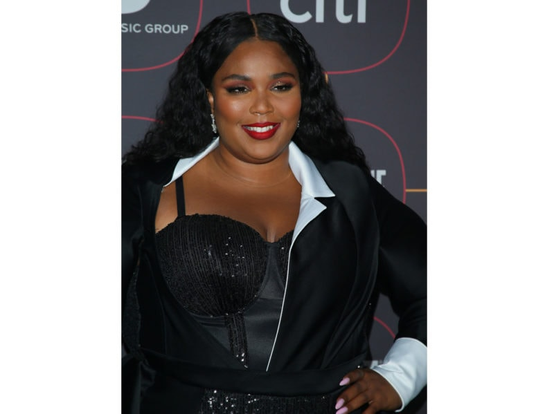 lizzo-beauty-look-make-up–11