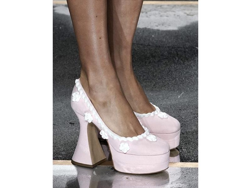 moschino-aw-2020-scarpe-torta