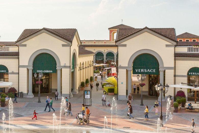 Outlet Italia: shopping e promozioni da non perdere (anche da casa!)