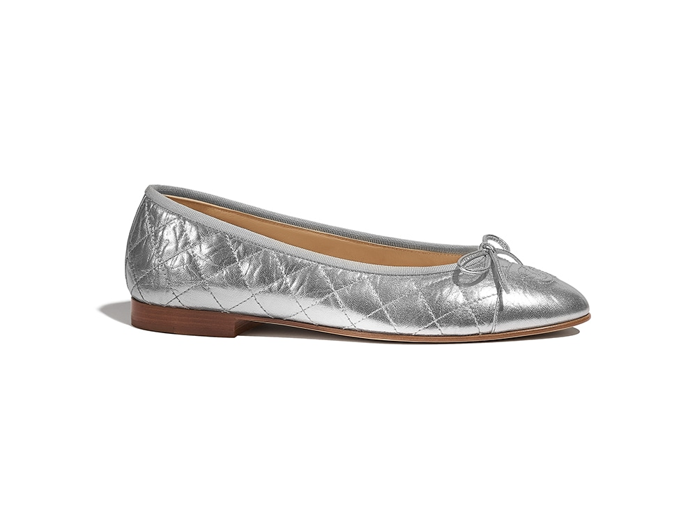 03_Silver_ballerinas_in_printed_laminated_leather_G26250_X51756_45002_HD