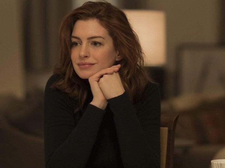 Anne Hathaway maglione nero