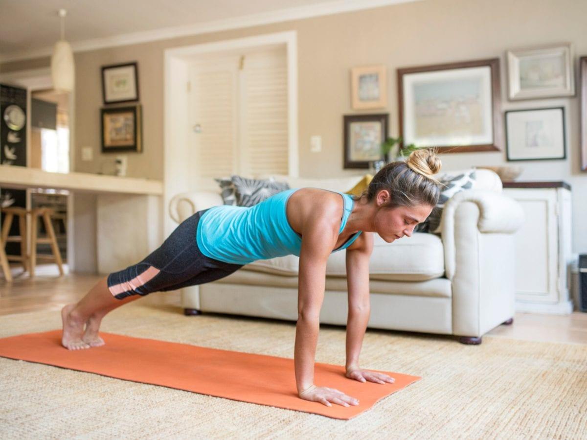 allenarsi a casa in quarantena coronavirus esercizi fitness 5