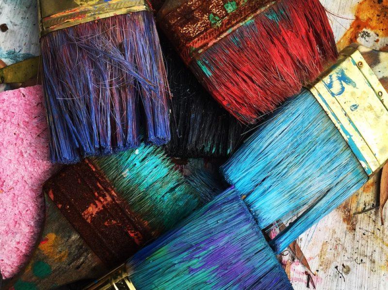 pennelli colori dipingere pittura