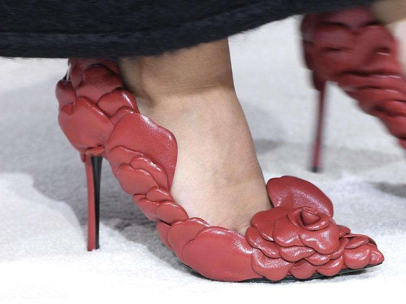 scarpe-valentino-fiori-ai-2020