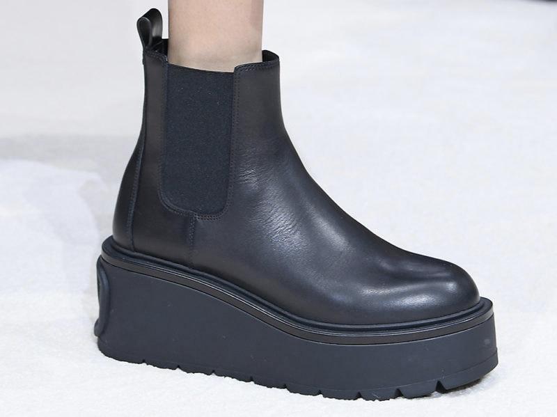 valentino-boots-ai-2020