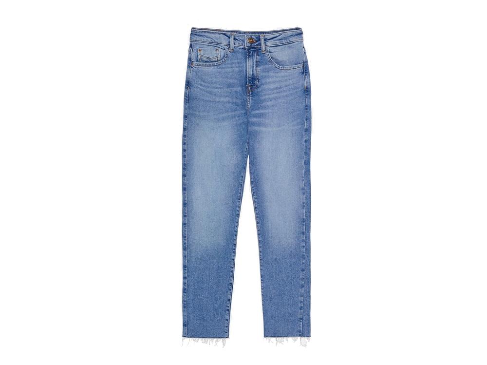 zara-jeans-a-sigaretta