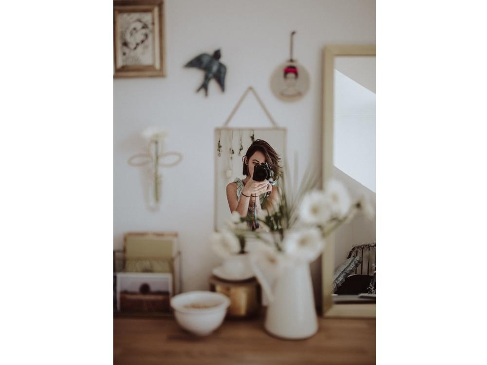 06-ragazza-macchina-fotografica