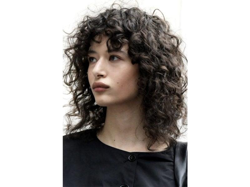 acconciature-capelli-ricci-sciolti-02