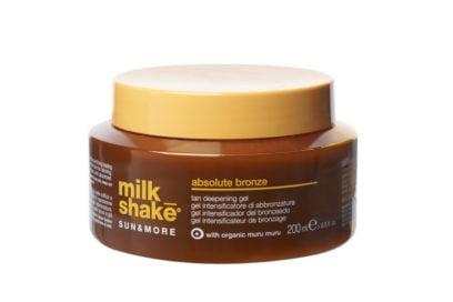 autoabbronzante-i-consigli-dellesperta-su-come-e-quando-stenderlo-Milk-Shake-absolute-bronze-800×599