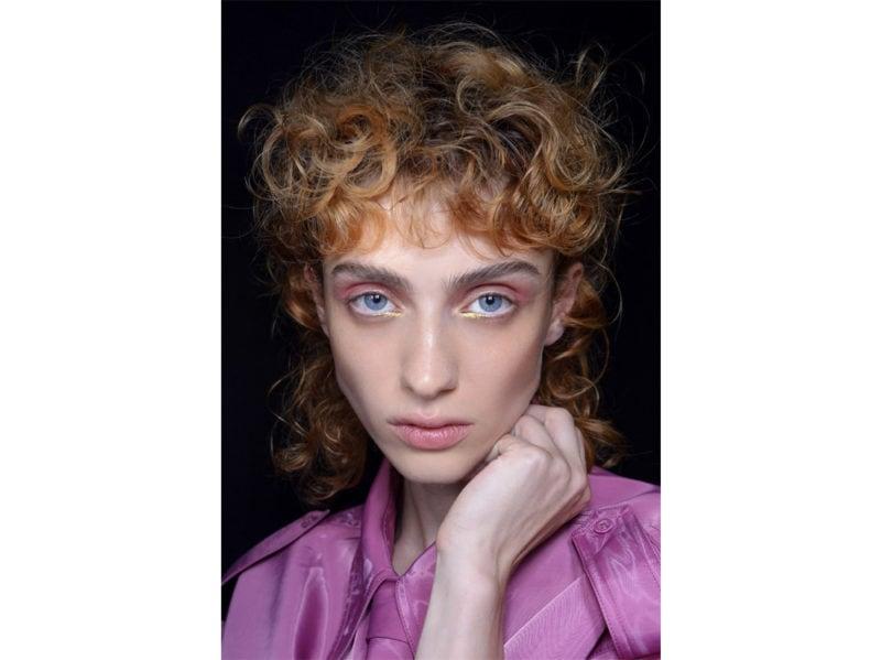 capelli-scalati-corti-sopra-lunghi-sotto-primavera-estate-2020-1