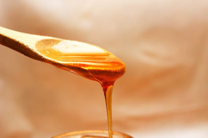 close-up-photography-of-honey-714522