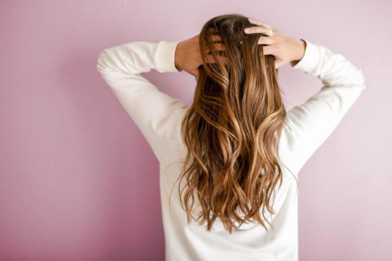 Come schiarire i capelli: le tecniche più cool