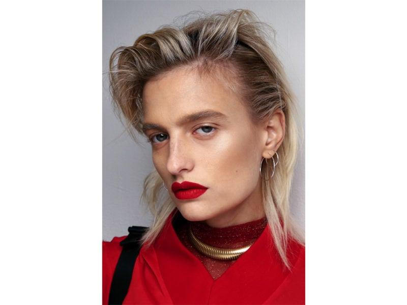 tagli-di-capelli-medi-primavera-estate-2020-02-800×599