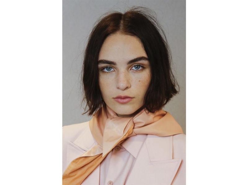 tagli-di-capelli-medi-primavera-estate-2020-04-800×599