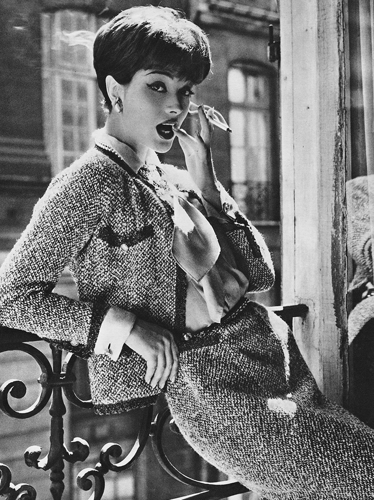 02_04 -Marie-Helene Arnaud the Allure of Chanel in 1958 Condenast Vogue France – Photo Sante Forlano_LD