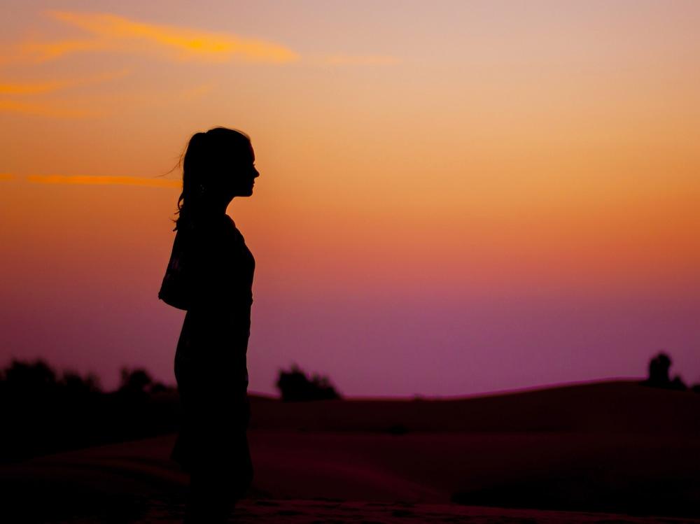 08-silhouette