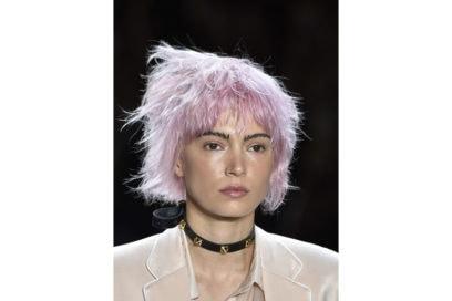 capelli-corti-mossi-spettinati-2020-02