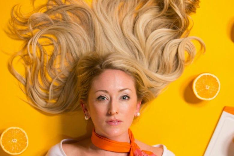 Cosa mangiare per rinforzare i capelli (e farli crescere più in fretta)