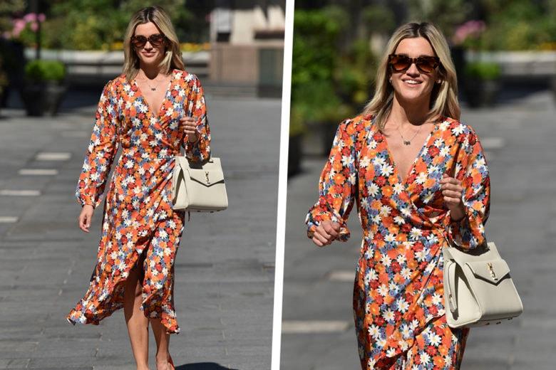 Il wrap dress di Ashley Roberts è l'abito che tutte vorremmo (e dovremmo!) avere nel guardaroba