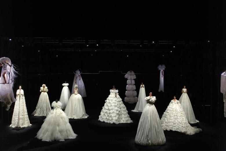 Tra sogno e realtà: Valentino presenta la collezione Haute Couture per l'Autunno Inverno 2020-2021