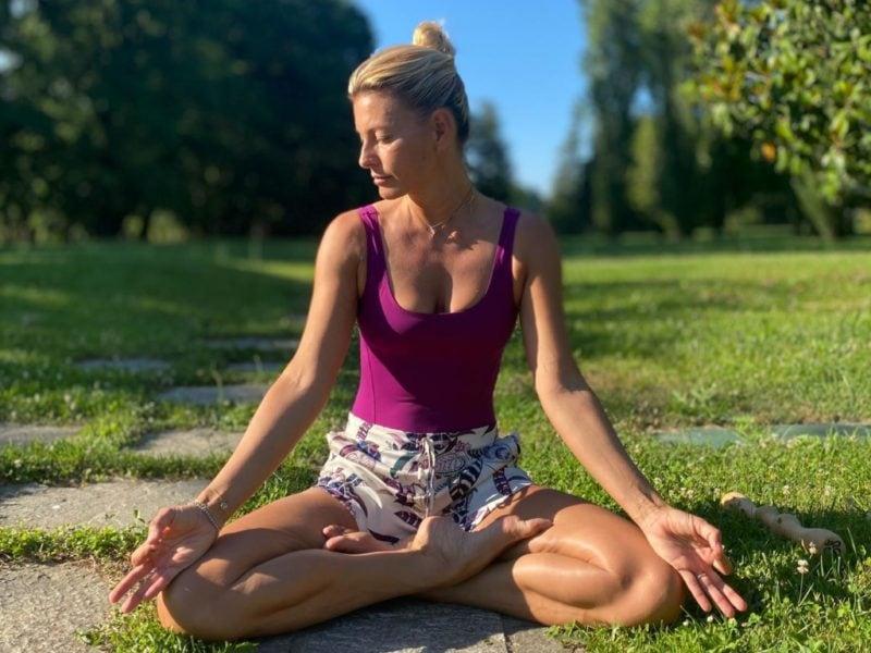 Federica Fontana yoga e meditazione salute e benessere psicofisico MOBILE