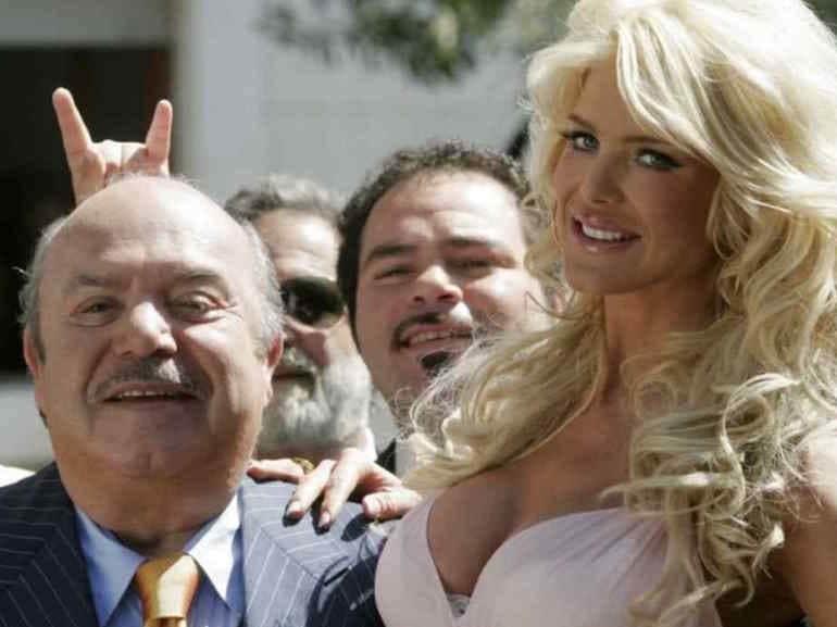 Lino Banfi vestito a righe