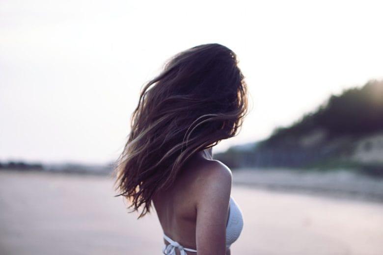 Come salvare il colore dei capelli a fine estate