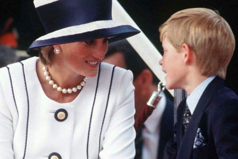 Il principe Harry racconta il rimpianto per l'ultima telefonata con Lady Diana
