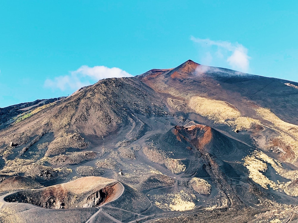 monte vulcano etna (Anastasiia Rozumna)