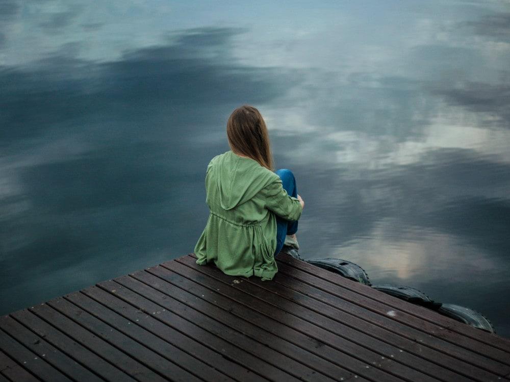04-ragazza-lago