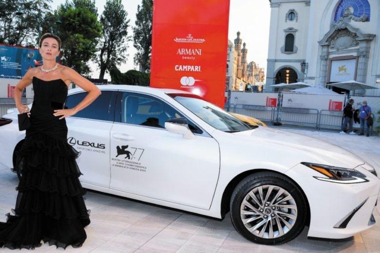 Venezia 77, sul red carpet con le star. A bordo di Lexus