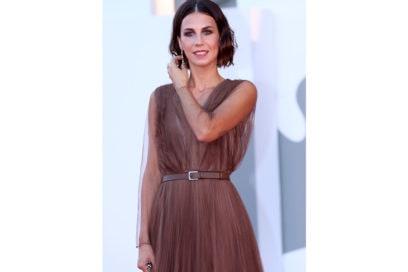 festival-cinema-venezia-2020-beauty-look-Michelle-Carpente