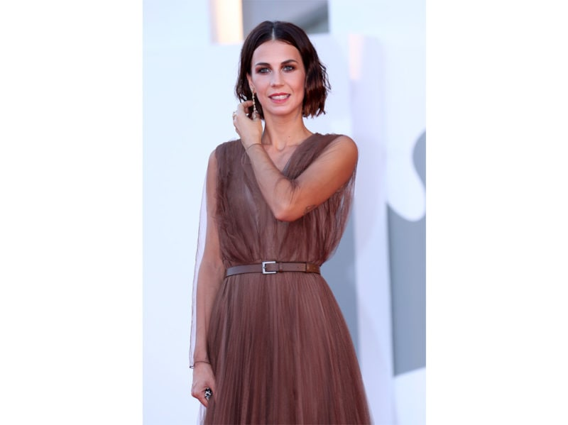festival-cinema-venezia-2020-beauty-look-Michelle-Carpente