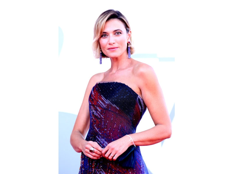festival-cinema-venezia-2020-beauty-look-anna-foglietta-44