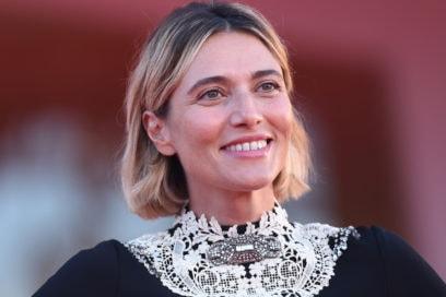 festival-cinema-venezia-2020-beauty-look-anna-foglietta-9