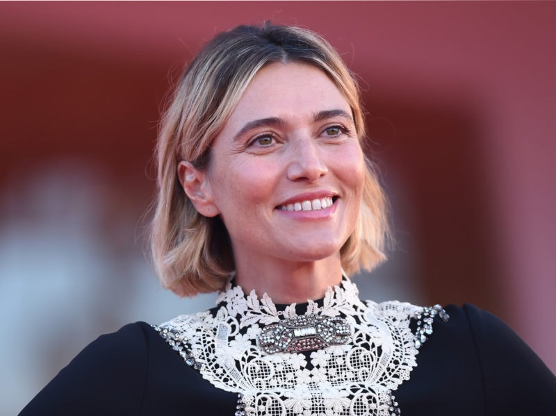 festival-cinema-venezia-2020-beauty-look-anna-foglietta-9