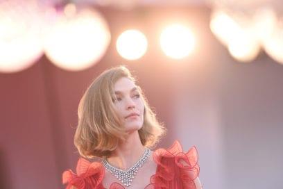 festival-cinema-venezia-2020-beauty-look-arizona-muse