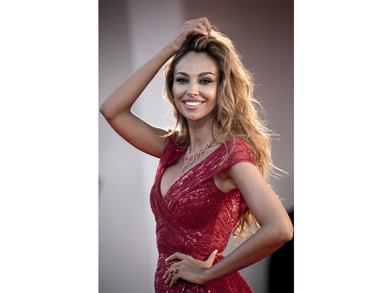 festival-cinema-venezia-2020-beauty-look-diana-ghenea