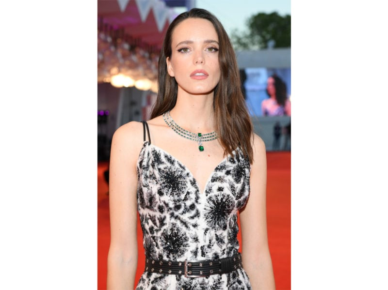 festival-cinema-venezia-2020-beauty-look-stacy-martin